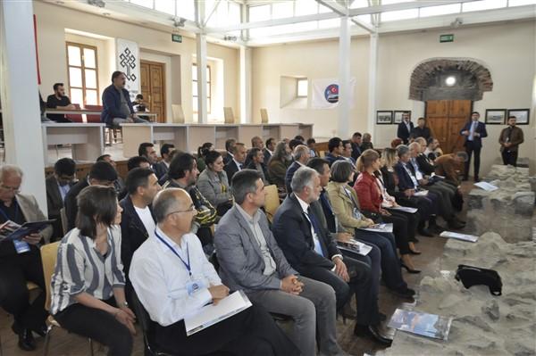 Kars Belediyesinin yerel yönetimler ve sağlık çalıştayı bilim raporu yayınlandı
