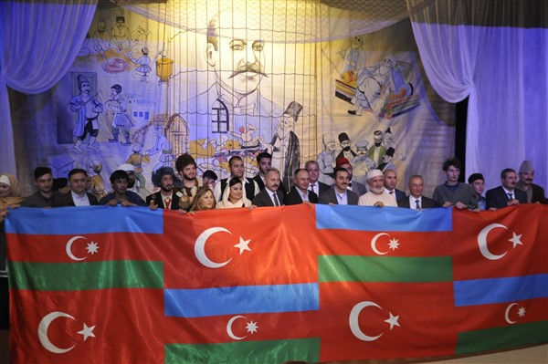 'Ölüler ve Deliler' Azerbaycan'dan önce ilk kez Kars'ta sahnelendi