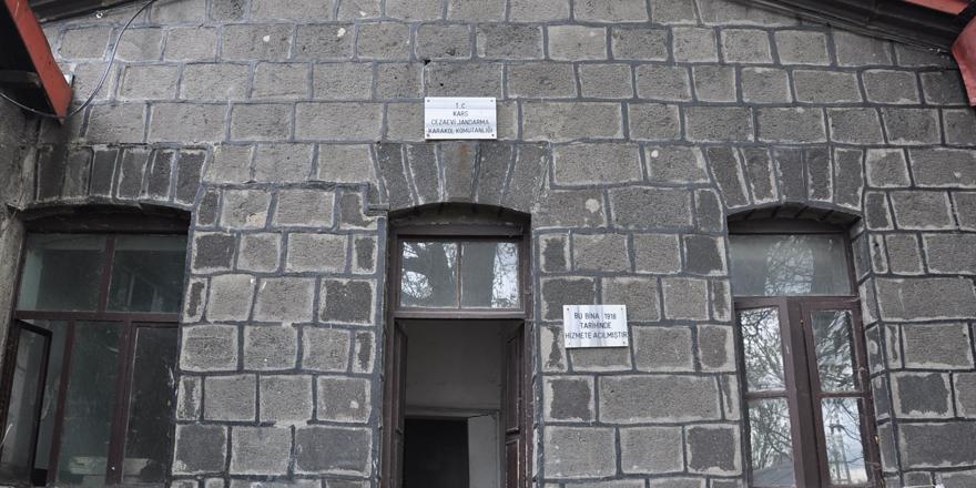 Tarihi Kars Cezaevi yıkılıyor