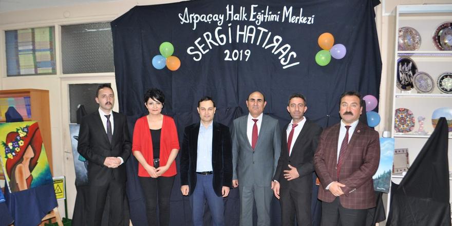 Arpaçay'da yıl sonu sergisi açıldı
