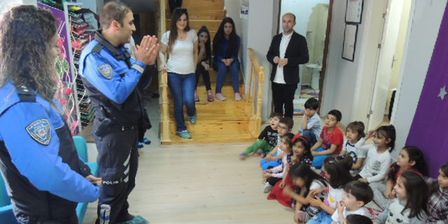 Polisten miniklere bilgilendirme