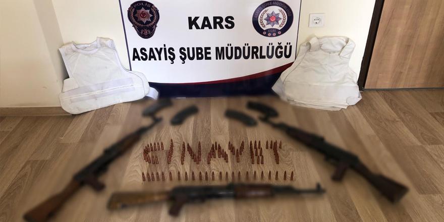 Kars'ta yakalanan şahsın motosikletinden cephane çıktı