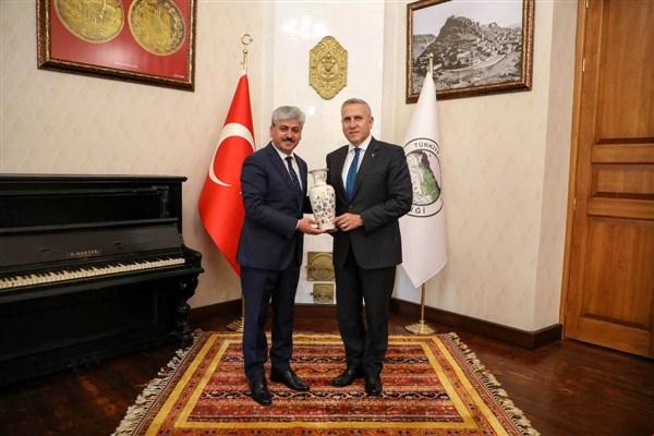 Macaristan Büyükelçisi Gabor Kiss, Vali Doğan'ı ziyaret etti