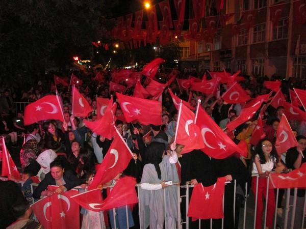 Kars'ta, 15 Temmuz Demokrasi ve Milli Birlik Gününde vatandaşlar tek yürek oldu