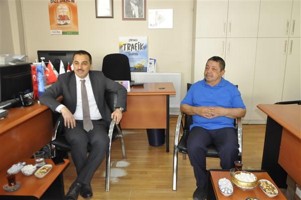 Vali Türker Öksüz, Kars Gazeteciler Birliğini ziyaret etti