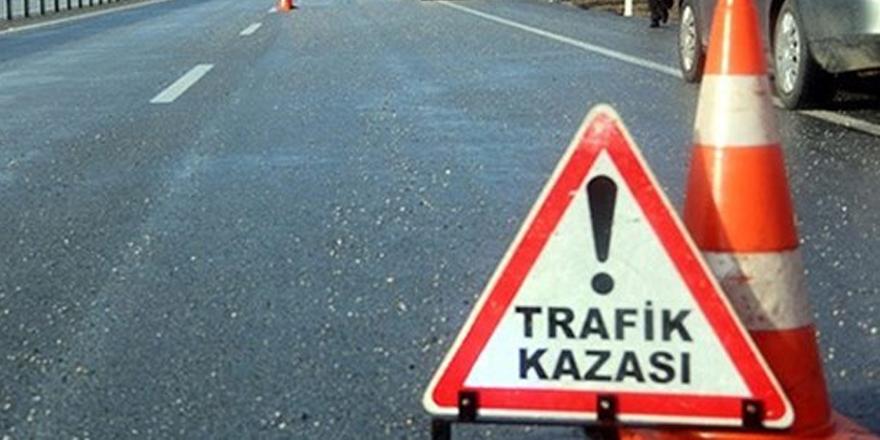 Kars'ta hasta taşıyan diyaliz aracı kaza yaptı: 8 yaralı