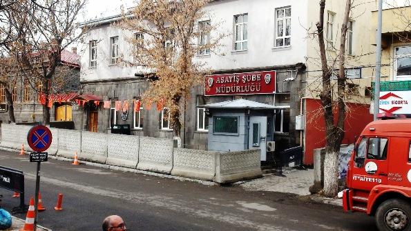 Kars'ta aranan 33 şahıs yakalandı