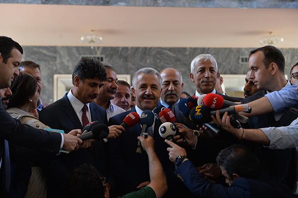UDH Bakanı Arslan ve Kılıç Meclise kayıt yaptırdı
