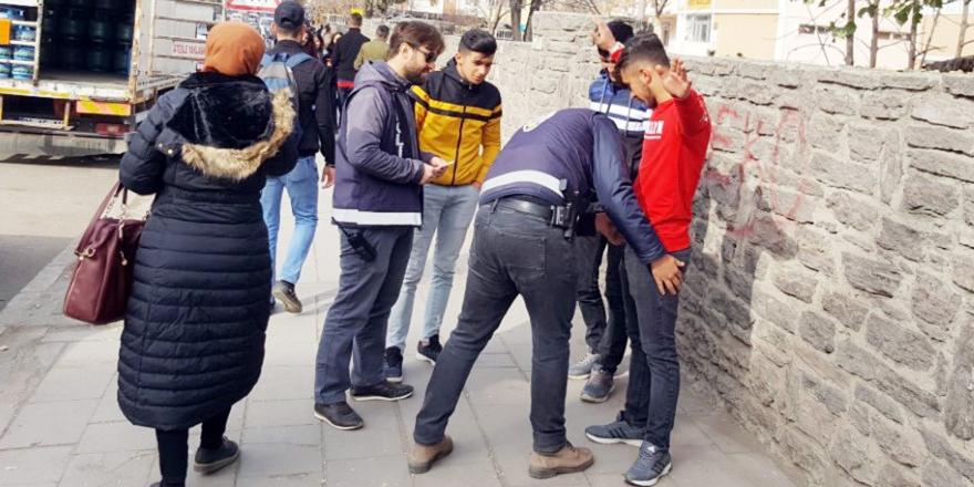 'Okul Polisi ve Özel Güvenlik' Uygulaması İle Öğrenciler Daha Güvende