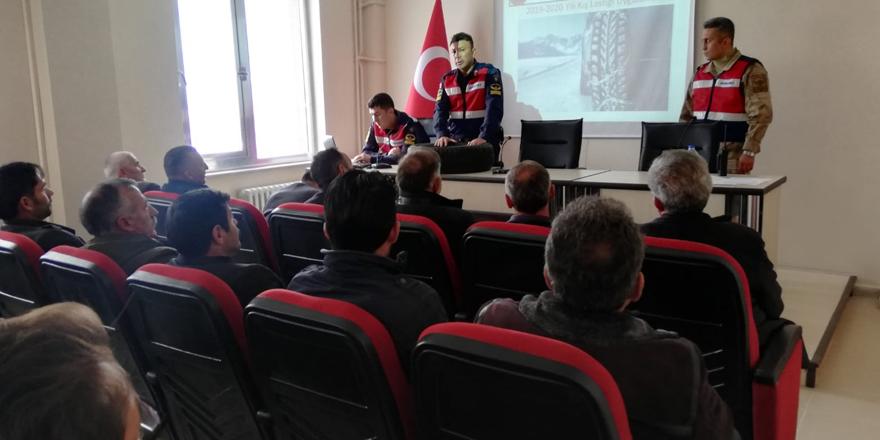 Kars'ta kış lastiği ve kış tedbirleri semineri