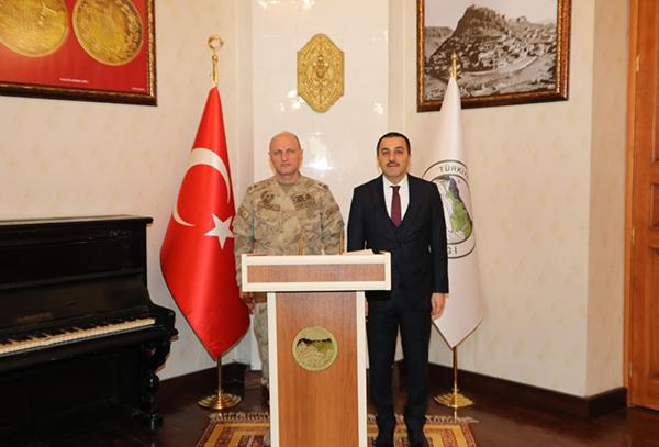 Tuğgeneral Ali İhsan Ersoy, Vali Türker Öksüz'ü ziyaret etti