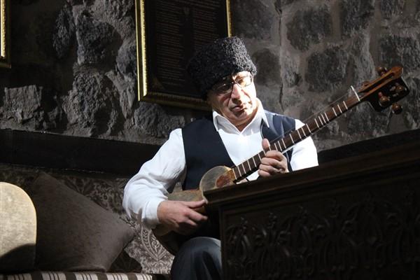 TRT, Salih Şahin ile Kars'ı tanıtıyor