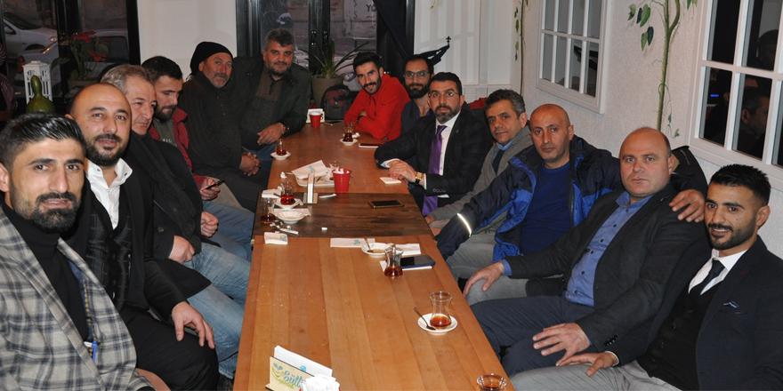 """AK Parti Kars İl Başkanı Çalkın, """"10 Ocak Gazeteciler Günü""""nde gazetecilerle bir araya geldi"""