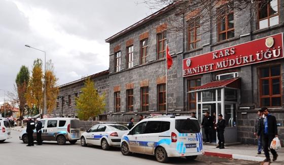 Polis, Kars'ta Huzurlu Sokaklar Uygulaması gerçekleştirdi