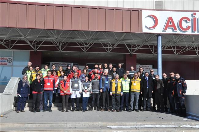 Kars'ta senaryo gereği 43 kişi zehirlendi!
