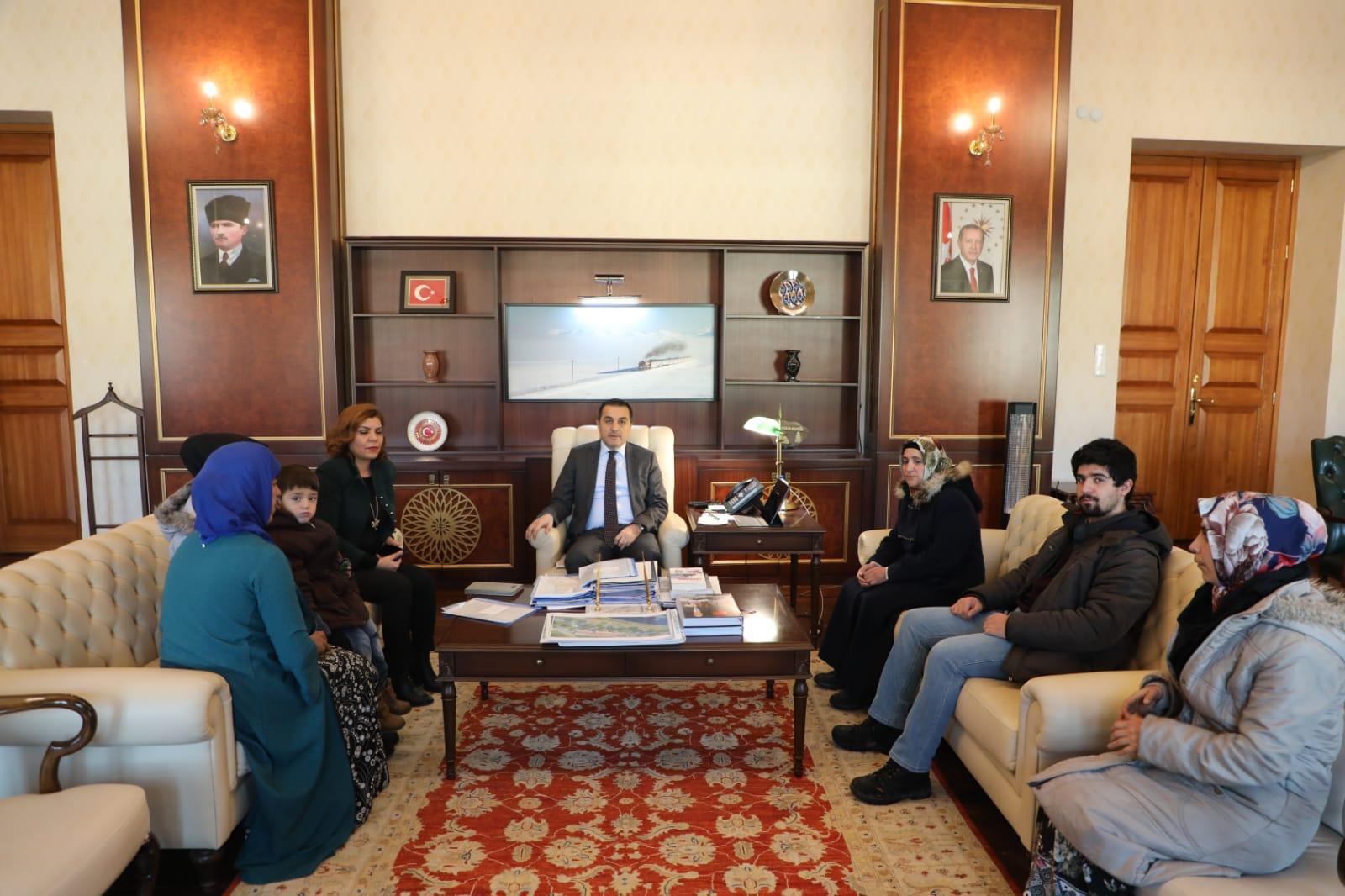 Vali Türker Öksüz, vatandaşların sorunlarını dinledi