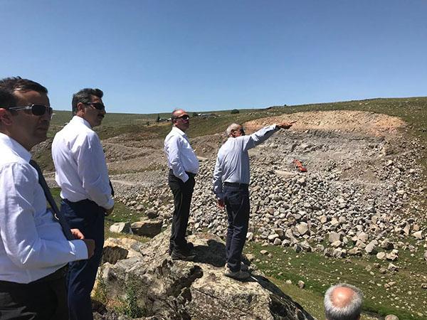 DSİ heyeti Göle Durançam göleti inşaatında incelemelerde bulundu