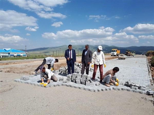 Sarıkamış Belediyesi oteller bölgesinin çevre düzenlemesini yapıyor