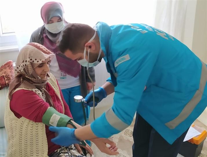 Kars'ta, Evde Sağlık Hizmetleri ekibi 2 bin 420 talebi karşıladı