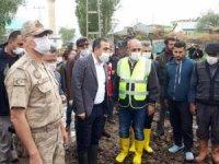 Vali Öksüz afet bölgesinde incelemelerde bulundu