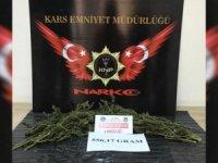 Kars'ta polis ekipleri uyuşturucuya geçit vermiyor