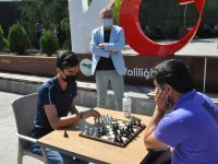 """Kars'ta """"sokakta satranç var"""" projesi başladı"""