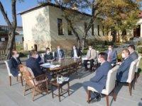 İl Hıfzıssıhha Kurulu toplantısı açık havada yapıldı