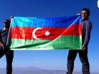 Karslı ve Iğdırlı dağcılar Azerbaycan'a destek için zirve yaptı