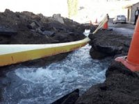 Kars'ta içme suyu şebekesi patladı