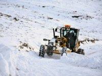 Kars'ta, 13 köy yolu ulaşıma kapandı