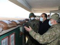 Vali Öksüz, Türkiye-Ermenistan sınırında incelmelerde bulundu