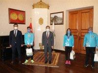 Vali/Belediye Başkanı Türker Öksüz şampiyonları makamında ağırladı