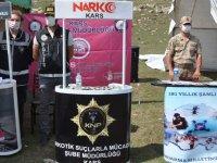 Kars'ta polis ve jandarmadan vatandaşlara bilgilendirme!