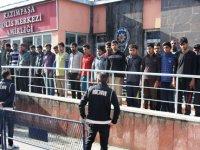 Kars'a kaçak yollarla gelen 43 yabancı uyruklu şahıs sınır dışı edilecek