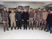 Vali Türker Öksüz, Yeni Yıla görevi başında giren personelleri ziyaret etti