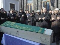 Dün aracında ölü bulunan İbrahim Ömeroğlu toprağa verildi