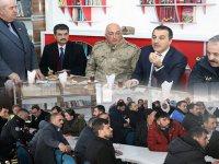 Vali Türker Öksüz, Bülbül Mahallesinde vatandaşlarla bir araya geldi
