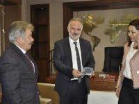 Ayhan Bilgen, Belediye Başkanlığı mührünü teslim aldı