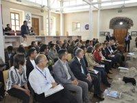Kars Belediyesinin düzenlediği yerel yönetimler ve sağlık çalıştayı başladı.