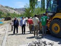 Kağızman Kaymakamı Ercan Öter'in köy ziyaretleri devam ediyor.