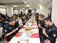 Vali Türker Öksüz, Emniyet personeliyle iftarda buluştu