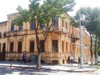 Tarihi binaların boyanması Kars'a ihanettir!
