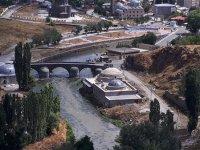 Asri Hamam, sel ve taşkın riski altında restore ediliyor