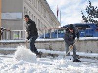 Kars Belediyesi'nin kar mesaisi başladı!