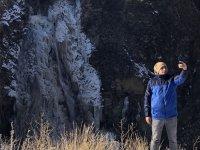 Kars'ın soğuğu şelaleyi dondurdu