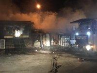 Kağızman'da yangın: 6 iş yeri yandı