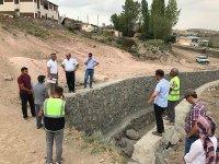 DSİ heyeti, Digor ilçe merkezinde taşkın koruma inşaatını inceledi