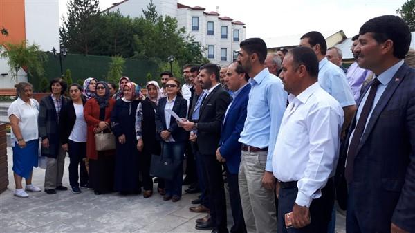 """ak-parti-""""mursî'nin-ozgurluk-ve-adalet-hasretiyle-hakk'a-yurudu""""-(3).jpg"""