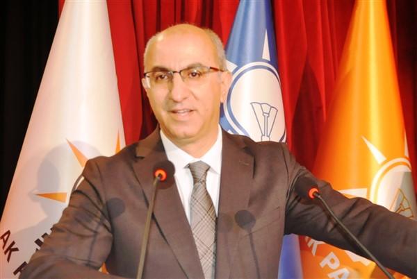 ak-parti-il-ve-ilce-belediye-baskan-adaylari-sahnede-(5)_renamed_18055.jpg
