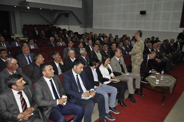 "albay-kilic-uyardi-""afgan-cobanlari-karakola-bildirin!""-(16).jpg"